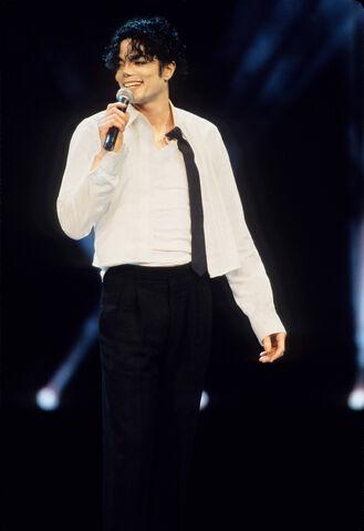 File:Michael Jackson Getty 24.jpg
