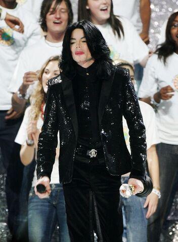 File:World music awards 2006 michael jackson (7).jpg