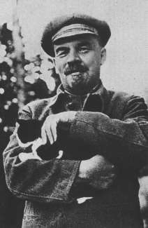 File:Lenin and his cat.jpeg