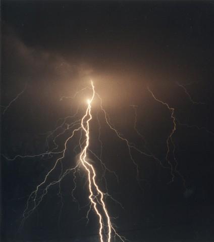 File:Lightning .jpg
