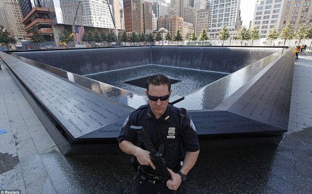 File:6-grund-zero-memorial-9-12-11-.jpg