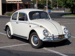800px-VolkswagenBeetle-001