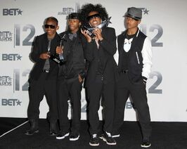 Mindless-behavior-bet-awards-2012-press-room-02