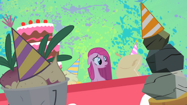 File:Pinkie Pie listening to her inanimate friends S1E25.png