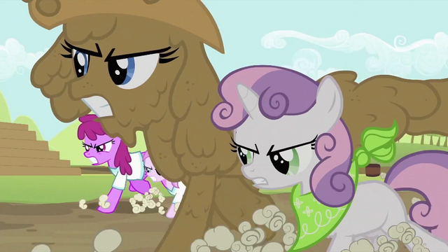 File:Rarity and Sweetie Belle running 2 S2E05.png