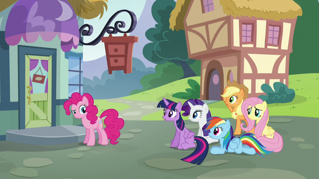 File:Twilight unsure about the furniture store S5E19.png