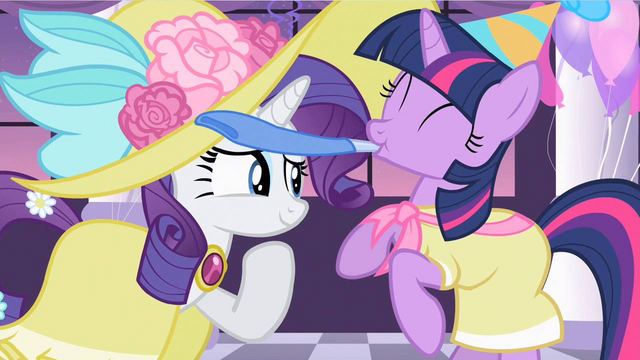File:Rarity little fillies room S2E9.png