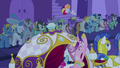Cadance bouquet toss S02E26.png