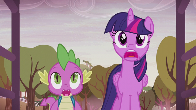 File:Twilight and Spike stunned by the farm's new look S5E25.png