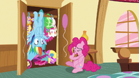 Pinkie Pie laughing at Rainbow's prank S6E15