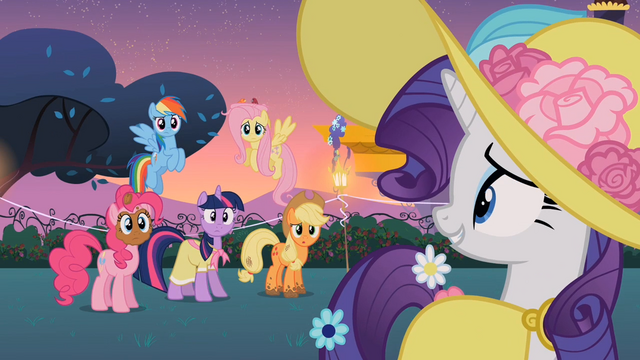 File:Rarity awkward smile S2E9.png