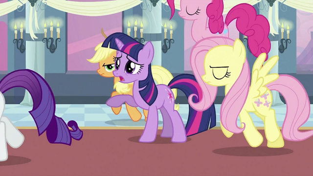 File:Twilight's friends leaving Twilight S2E25.png