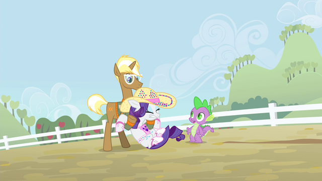 File:Trenderhoof holds Rarity S4E13.png
