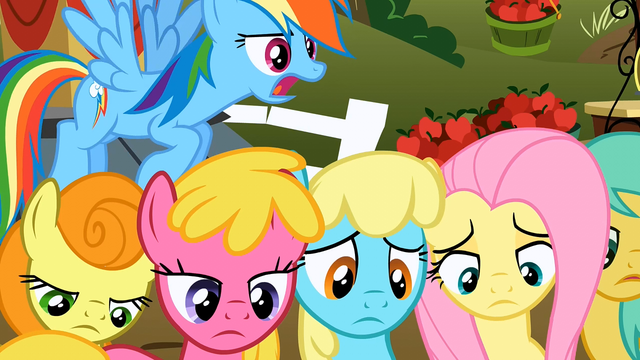 File:Everypony sad S02E15.png