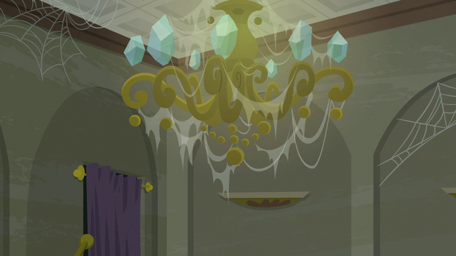 File:A webbed chandelier S6E9.png