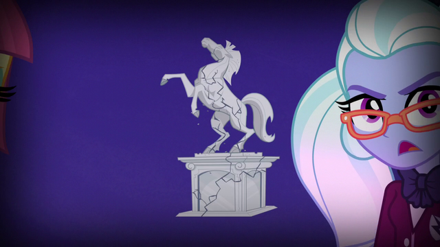 File:Canterlot High School statue fracturing EG3.png