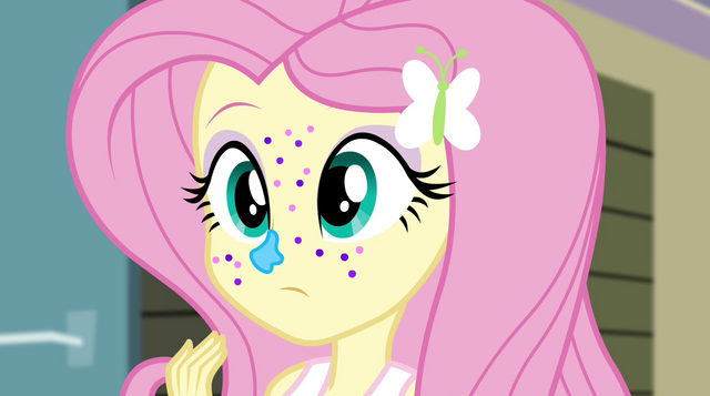 File:Fluttershy covered in frosting and glitter EG2.png