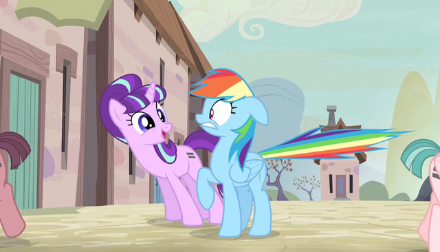 File:Starlight Glimmer startles Rainbow Dash S5E1.png