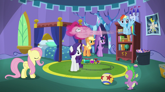 File:Pinkie Pie bouncing to the walls S5E19.png