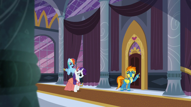 """File:Rarity """"Those rooms have the best view of Canterlot!"""" S5E15.png"""