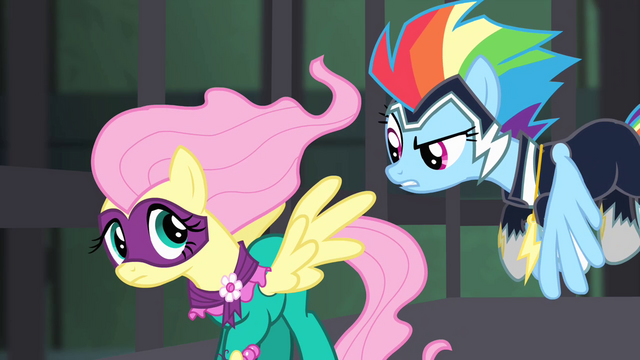 File:Rainbow tells Fluttershy to get mad S4E06.png