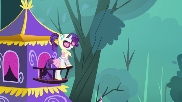 File:Rarity on balcony S3E6.png