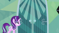 Starlight Glimmer facing Sunburst's door S6E1