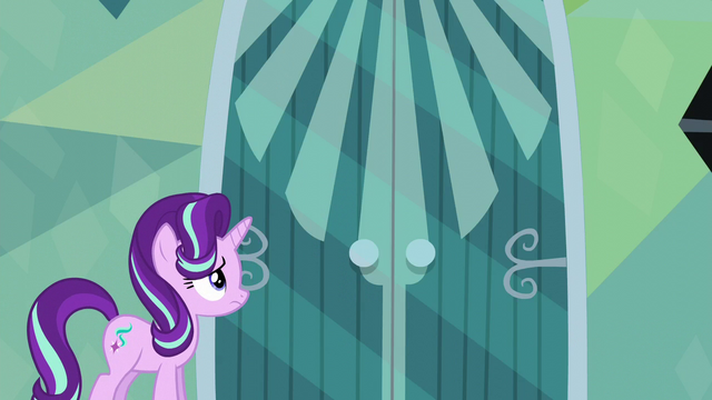 File:Starlight Glimmer facing Sunburst's door S6E1.png