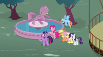 Twilight doesn't see Shining or Cadance anywhere S5E19