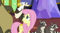 Fluttershy looks at eagle with sprained wing S6E21