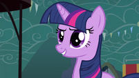 Twilight nice close up S3E5