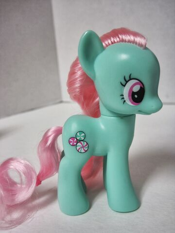 File:Midnight in Canterlot Minty toy.jpg