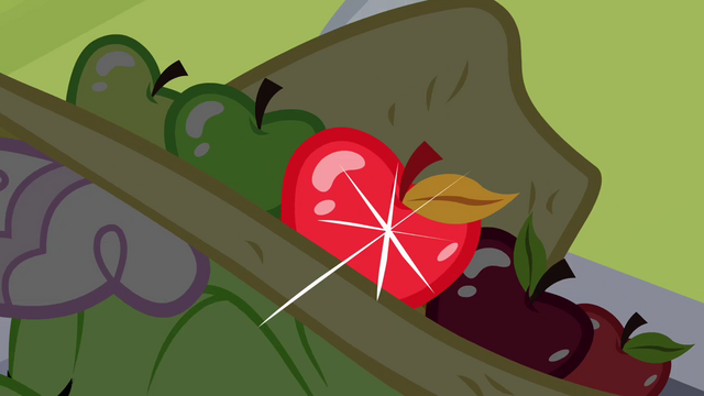 File:Apple in Auntie Applesauce's hat S3E8.png