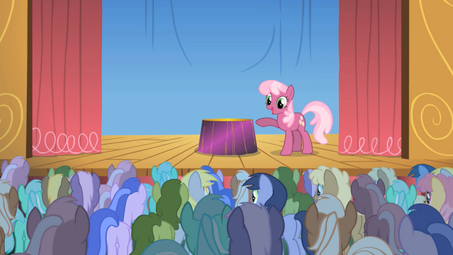 File:Cheerilee round of applause S1E18.png