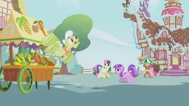 File:Granny Smith cartoon pose S1E05.png