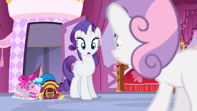 File:Rarity looking at Sweetie Belle S4E19.png