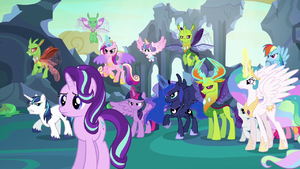 Starlight Glimmer in front of angered ponies and changelings S6E26