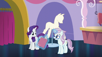 Architecture Pony asks about In-spire-ation dress S5E14
