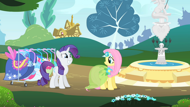 File:Smilin'Rarity S01E20.png