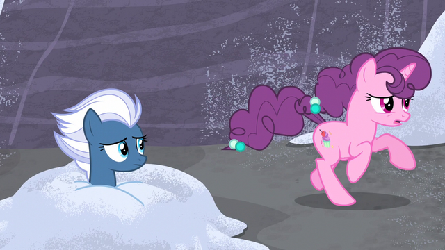 File:Sugar Belle gallops past Night Glider S5E2.png