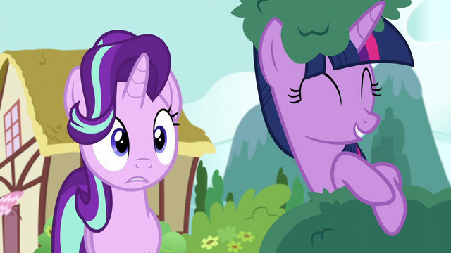 File:Starlight Glimmer looking surprised S6E6.png