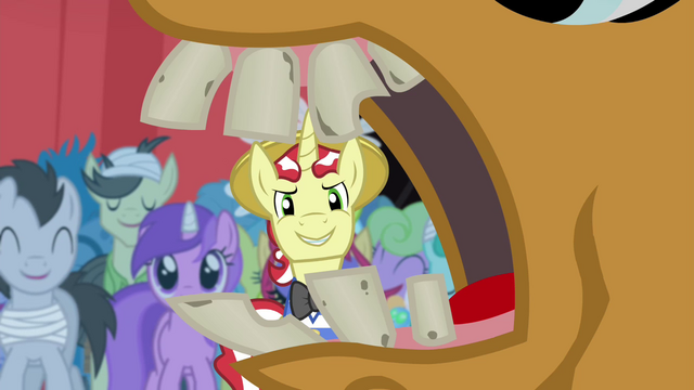 File:Inside pony's mouth S4E20.png