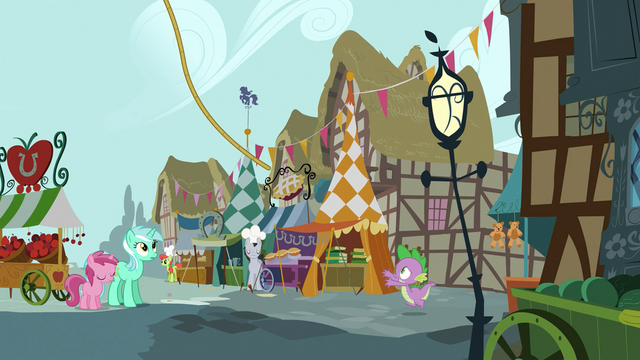 File:Spike runaway balloon S3E09.png