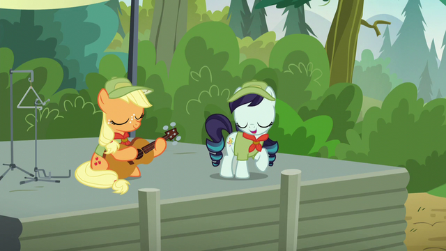 File:Rara Singing S5E24.png