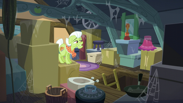 File:Granny Smith doesn't see Big Mac S5E17.png