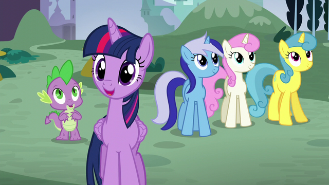 File:Twilight gasps happily S5E12.png