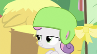 Sweetie Belle racing leisurely S6E14