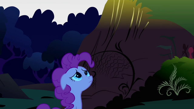 File:Pinkie Pie down 6 S2E18.png