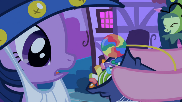 File:Pinkie Pie showing Twilight her haul S2E04.png