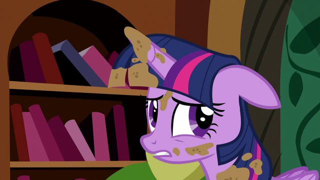 "File:Twilight unsure ""the castle's fine"" S5E3.png"